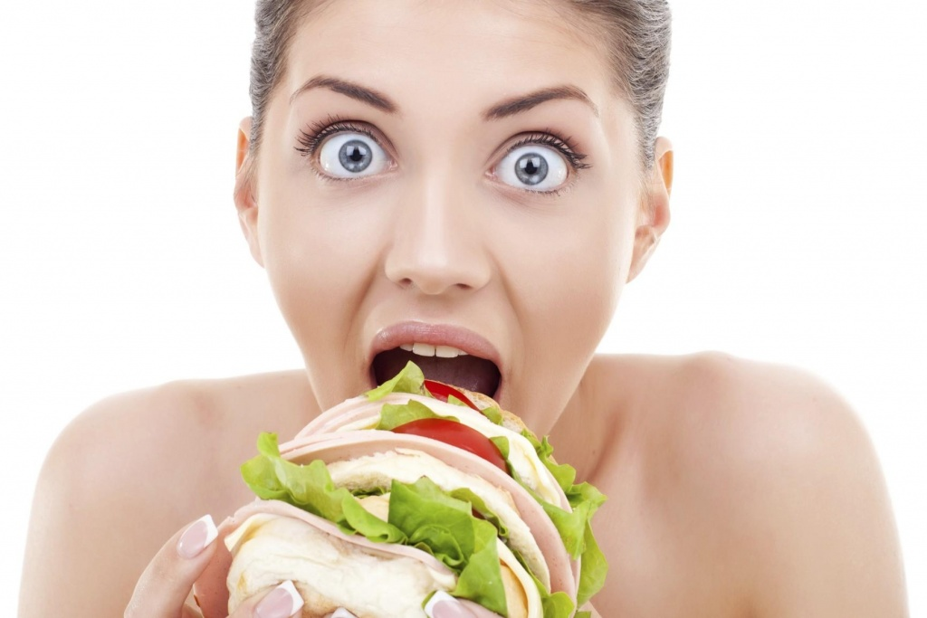 Mangia che ti passa: le insidie della fame emotiva